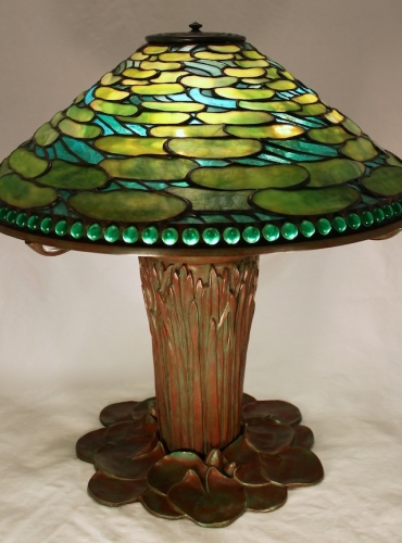 """20"""" Lilypad with Jeweled Border on Cattail Base"""