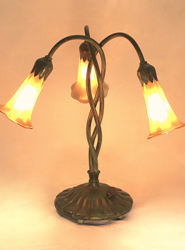 3 Light Twist Lily Lamp