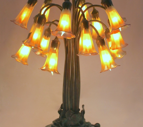 Lamp of the Week: 18 Light Lily Table Lamp
