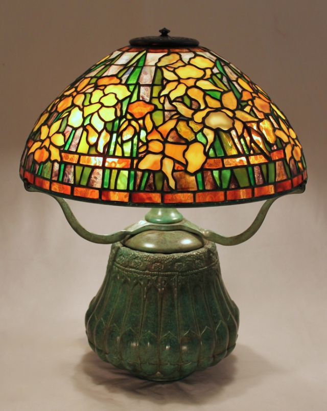 Lamp of the Week: 16″ Banded Daffodil