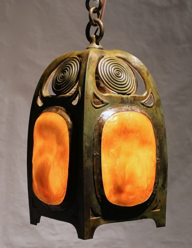 Turtleback Hanging Lanterns w/Swirls