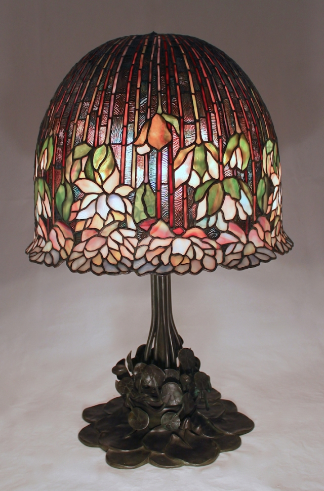 18″ Flowering Lotus Lamp
