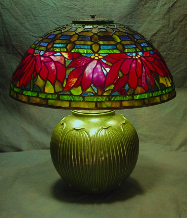 Lamp of the Week: 18″ Poinsettia