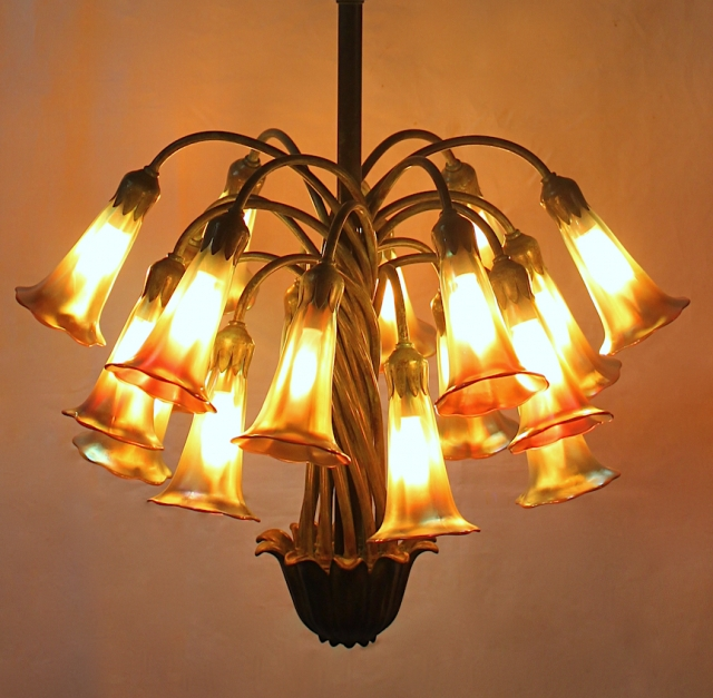 18 Light Lily Chandelier