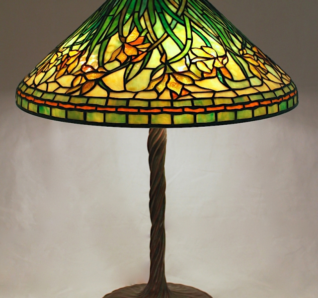 Lamp of the Week: 20″ Windswept Daffodil