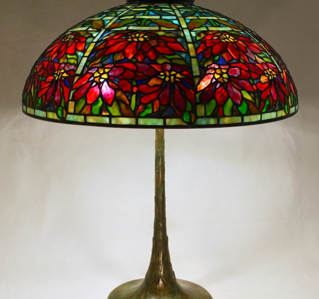 Lamp of the Week: 22″ Poinsettia